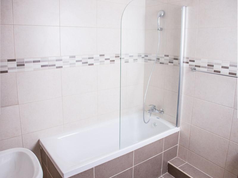 https://www.maltalingua.de/sites/default/files/images/gallery/language-school-apartment-accommodation-bathroom.jpg