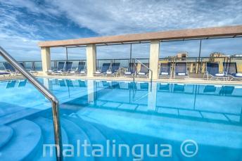 Hotel Alexandra Pool auf dem Dach, Malta