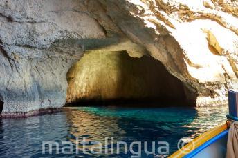Das Innere einer Höhle der blauen Grotte in malta