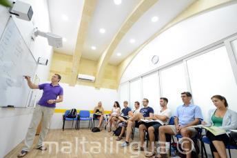 Klimatisierte Klassenzimmer in einer Sprachschule in Malta