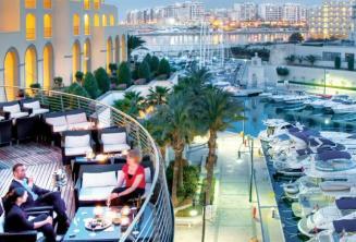 Balkon Hilton Hotel mit Portomaso Hafen