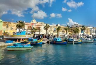 Boote in einem Fischerdorf auf Malta