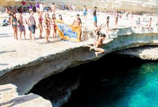 Maltalingua Englisch Sprachschule Sprung in den St Peter's Pool
